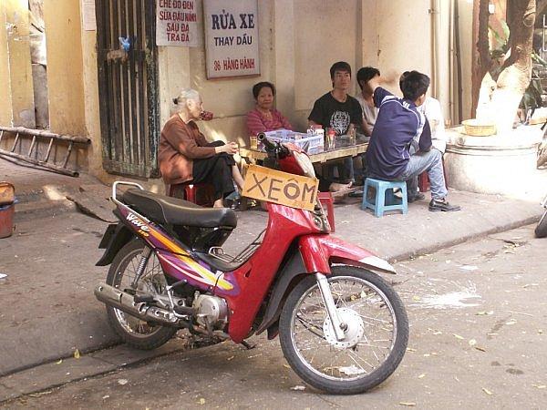 Où louer une moto à Hanoi ? Et combien ça coûte pour toute une journée de location?