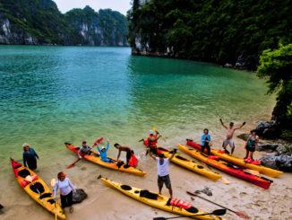 Kayak Halong Lanha