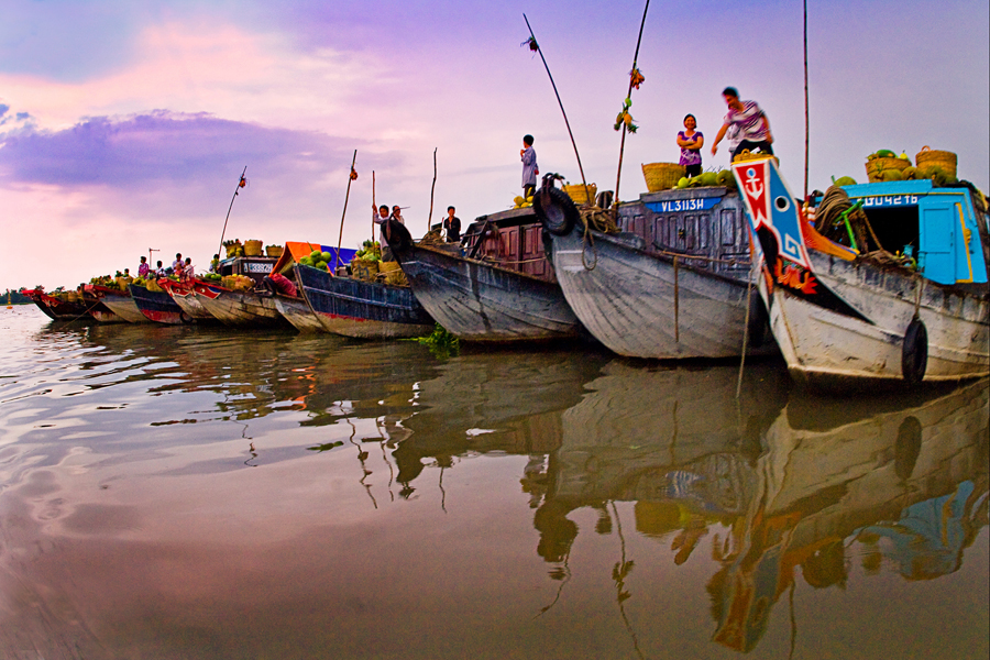 le marché flottant de gros de Cai Be