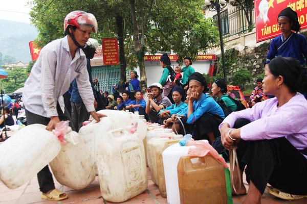 Achat de l'alcool Marché Ha Giang