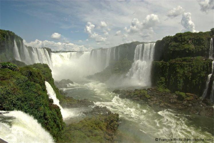 Chutes d'Iguazu au Brésil et en Argentine