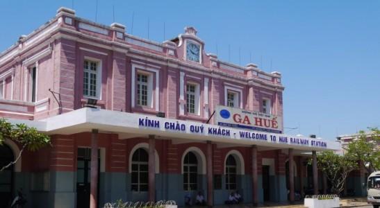 Locations des Gares de chemin de fer au Vietnam