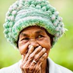 vietnam-femme-sourire-cache
