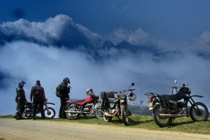 Aventure Moto Nord Est et Escapade Baie Halong + Mekong Vietnam 15 jours