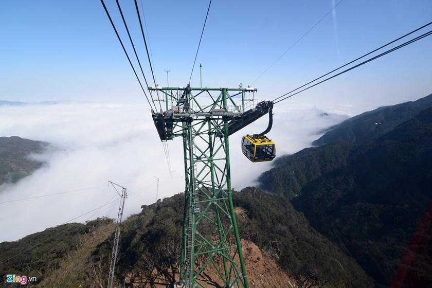 Le nouveau service de téléphérique pour Fansipan, le toit du Vietnam, a commencé à fonctionner ce mardi.