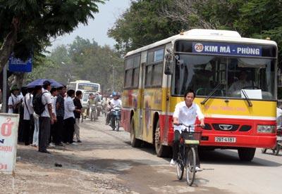 Voyager en Bus public dans la ville de Hanoi