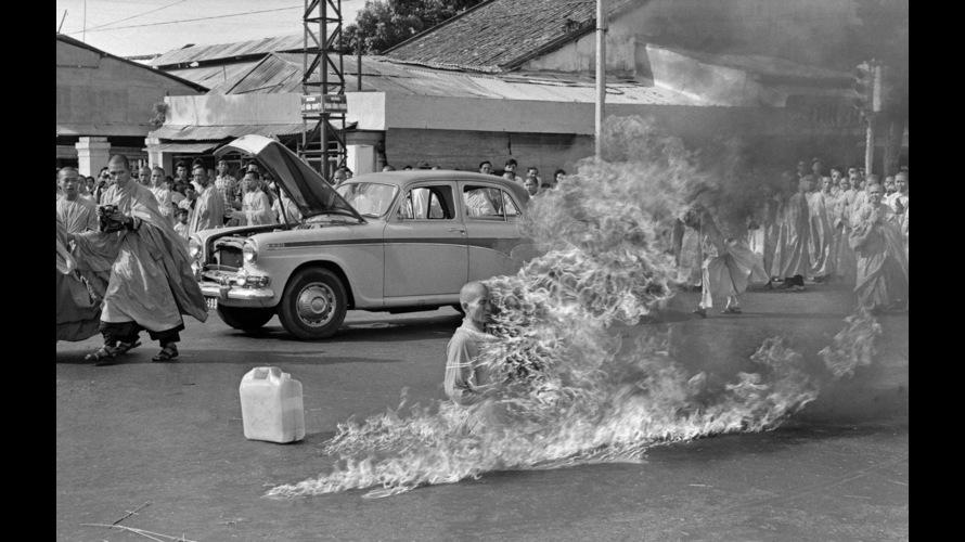 Immolation d'un moine bouddiste au centre de Saigon