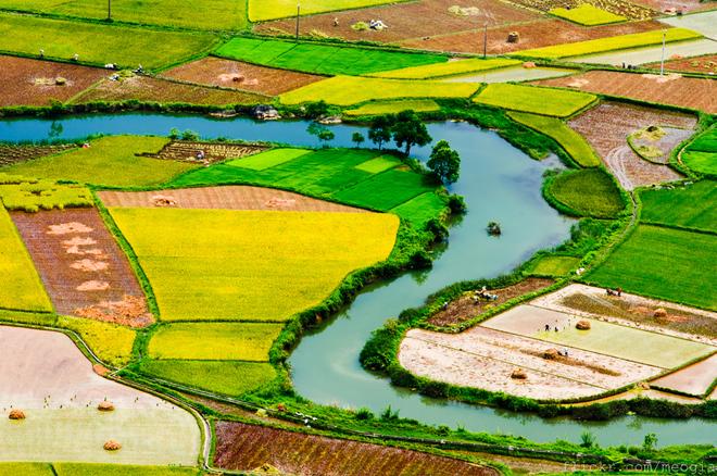 Paysages de la vallee de Bac Son