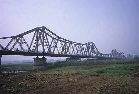 Pont Long Bien ( ancien Pont Paul Doumer )