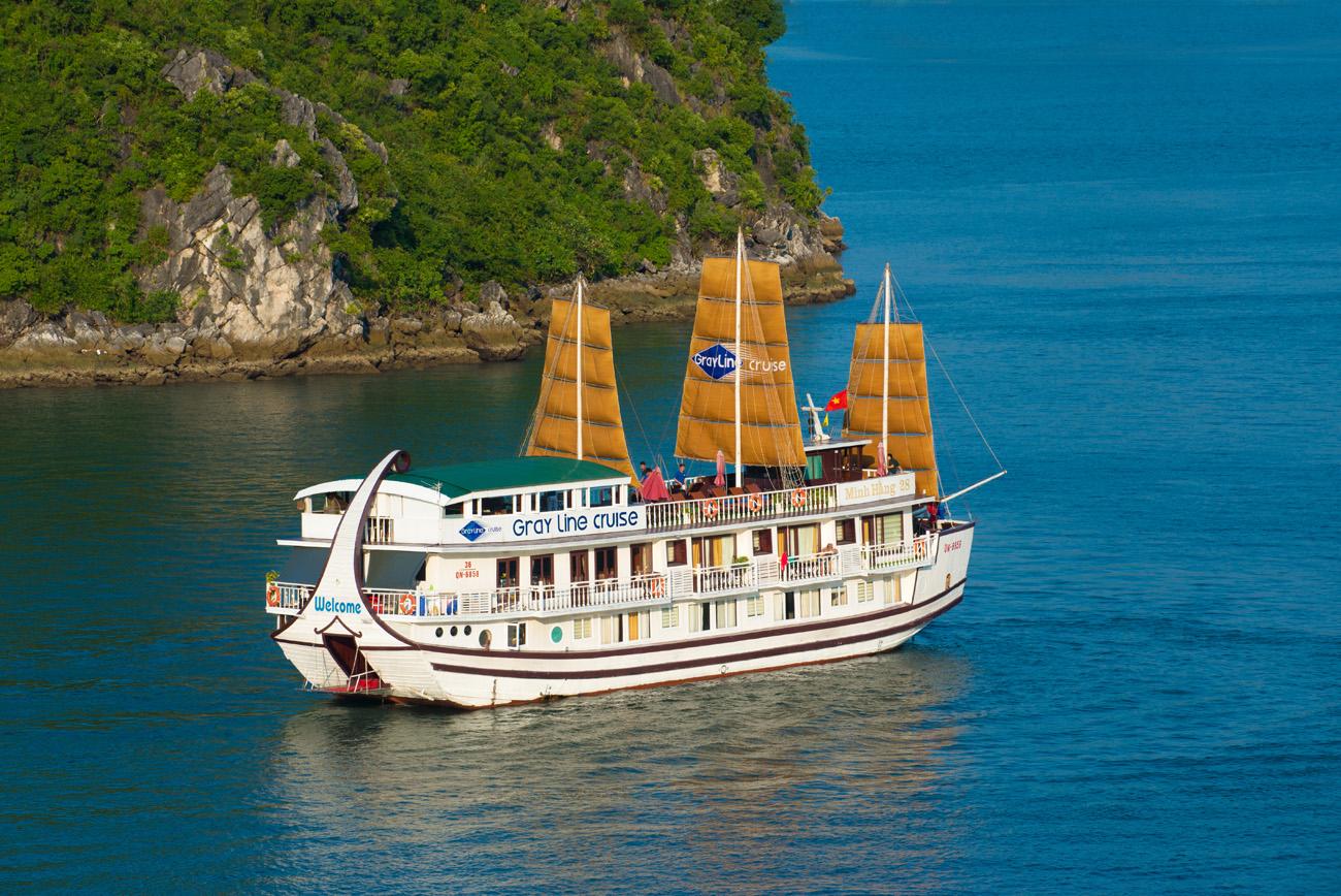 Croisière 2 jours 1 nuit en baie d' Halong en jonque de luxe Gray Line Ha Long à partir de 175 $ – tous compris