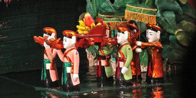 Marionnette sur l'eau au Vietnam