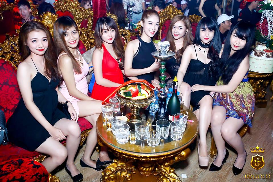 02 Gold Club