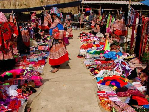 Marchés multi ethniques autour de Bac Ha et Sapa, Vietnam