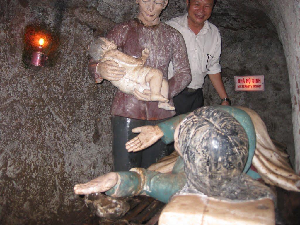 Accouchement dans les tunnels Vinh Moc