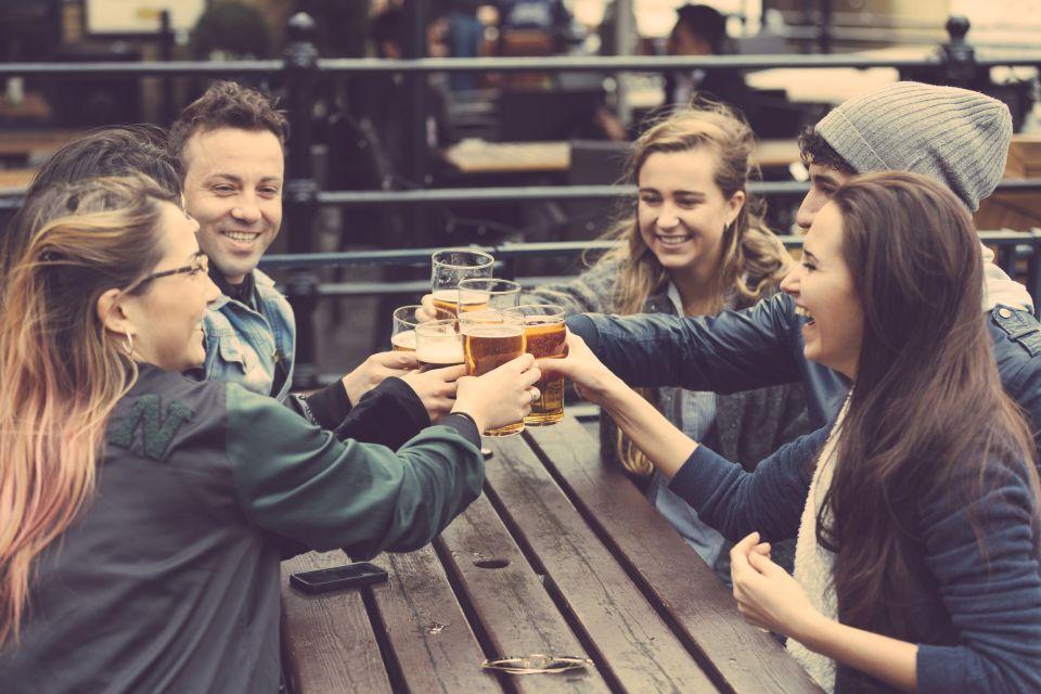 Activités à Luang Prabang: boire de la bière Lao