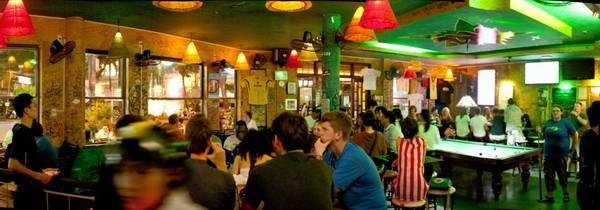 Vie nocturne à Hue: Meilleurs endroits pour sortir le soir à Hue