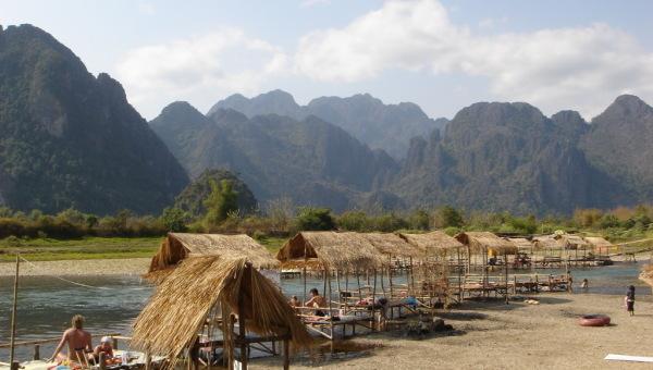 Guide Voyage pour Vangvieng, Laos : Activités, transport, bons plans, météo, hotels et restaurants