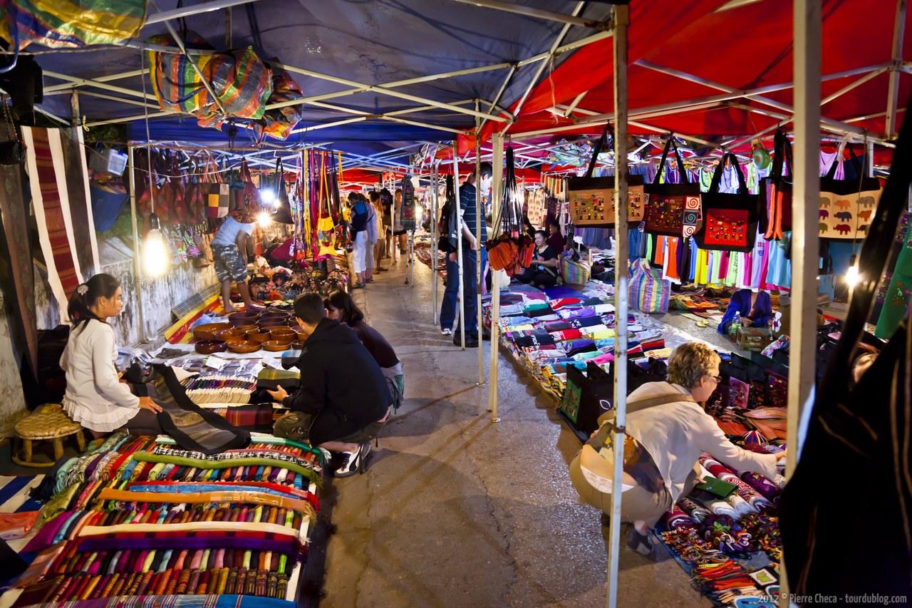 Activités à Luang Prabang: marché de nuit