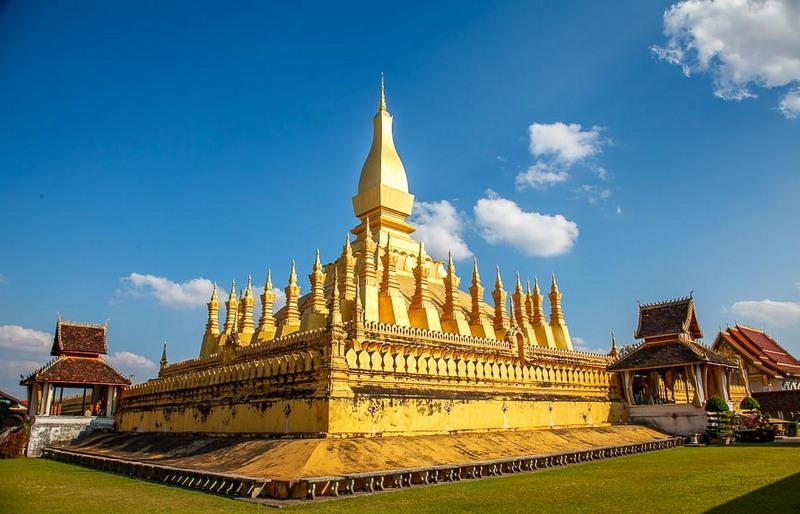 Comment aller de HANOI à VIENTIANE (Laos)?