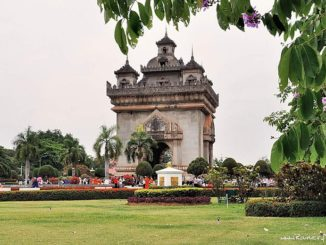 Vientiane, Lane Xang Avenue (Vue de Patuxay)