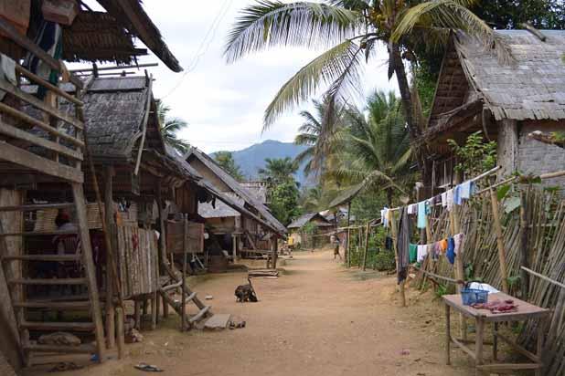 un-village-de-muong-ngoi-laos