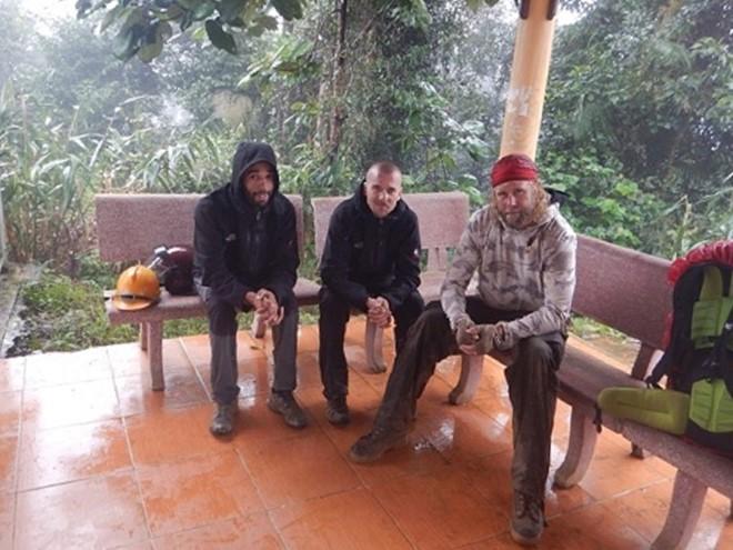 Trois touristes condamnés à une amende pour avoir fait la grotte de Son Doong sans guide