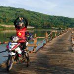 Record établi par 2 jeunes filles : Vietnam en moto en 40 heures