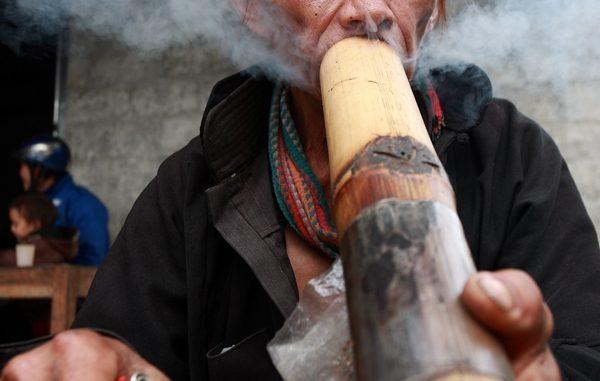 Probl me de tabac au vietnam voyage vietnam for Pipe a fumer cuisine