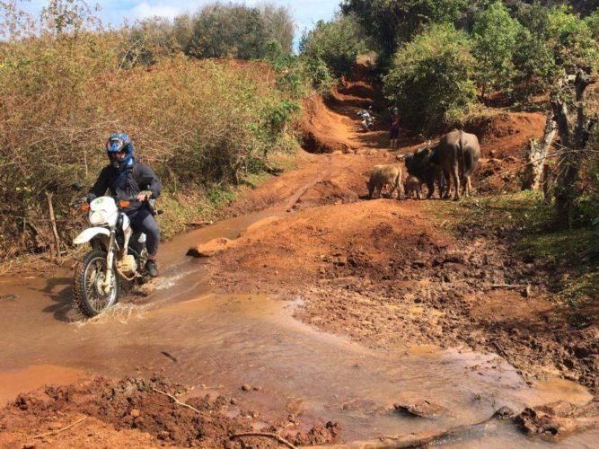 Voyage Moto Nord est Vietnam, route De Bac Son à Cao Bang (via le lac Ba Be)