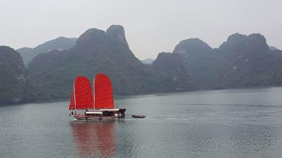 Croisière dans la baie de Lan Ha 3 jours 2 nuits en Bateau de luxe, cabine privée