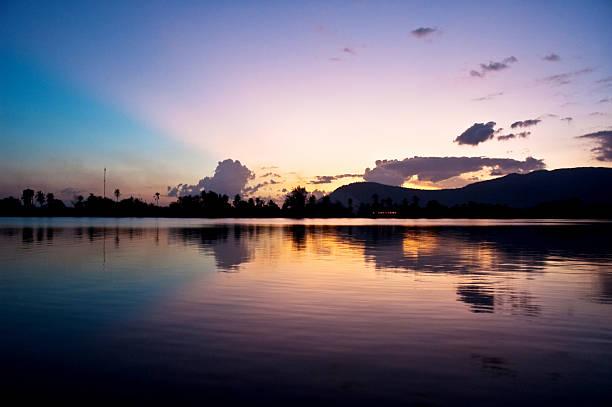 Coucher de soleil spectaculaire de Kampot