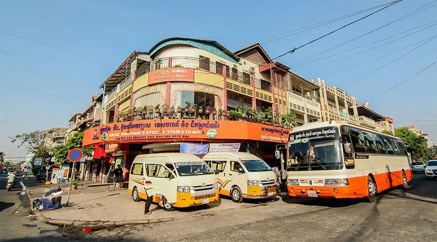 Conduire une moto à Sihanoukville Cambodge : Ce que vous devez savoir