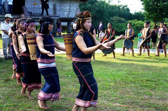 Costumes traditionels des Giarai