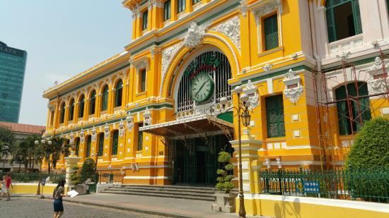 Poste centrale Saigon – le meilleur choix pour la visite guidée de Saigon