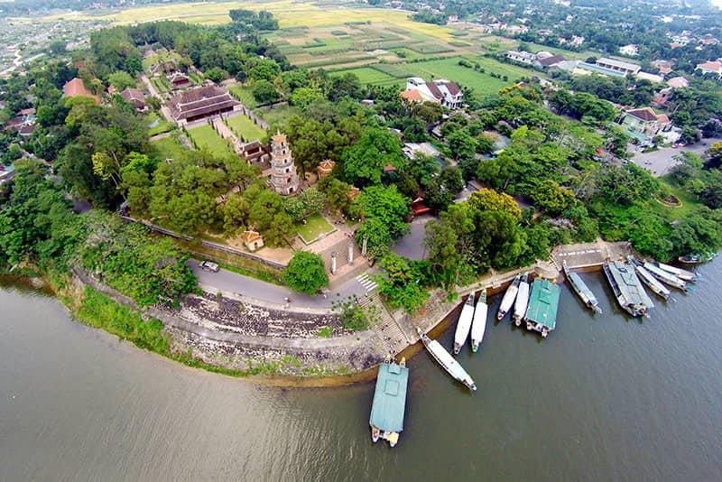 Panorama de La pagode Thien Mu