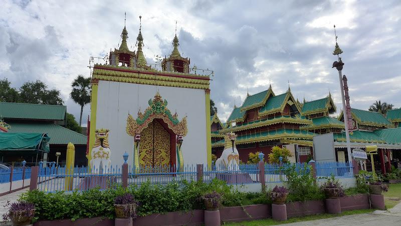 Wat Chong Kham et Wat Chong Klang