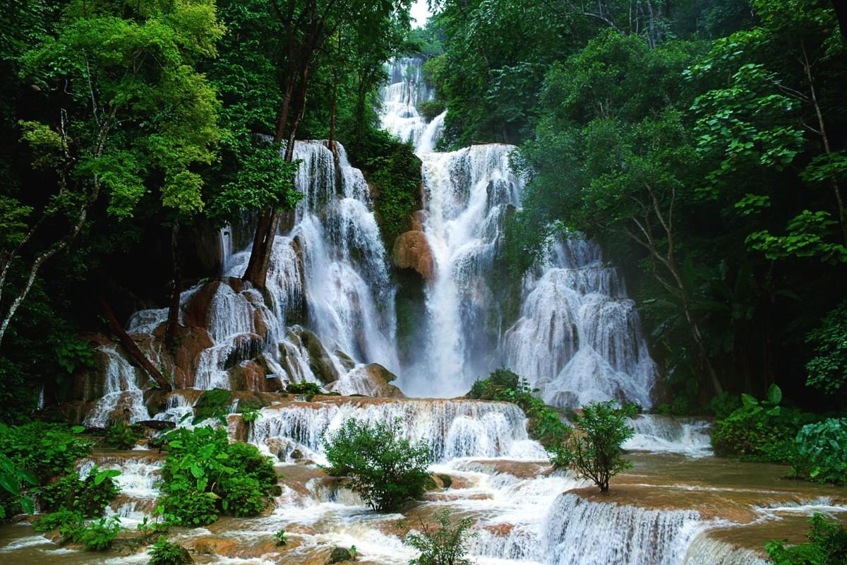 CHutes Kuang Si en plein d'eau