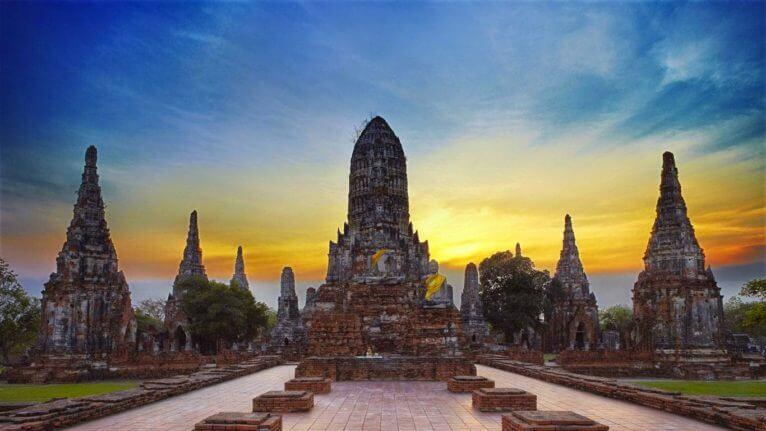 Ayutthaya ruines au crépuscule
