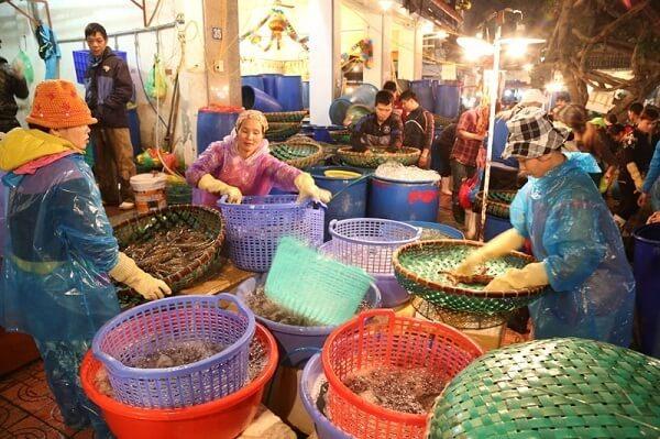 Marché Long Bien à Hanoi, Vietnam