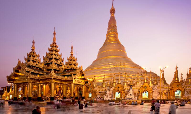 Pagode Shwedagon, Site Religieux Le Plus Sacré Du Myanmar ( Birmanie )