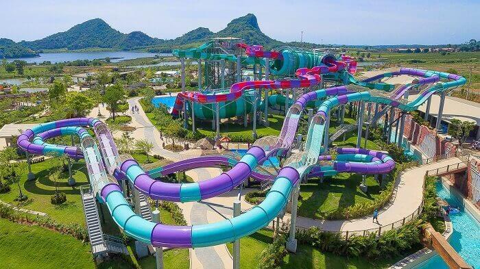 5 Parcs Aquatiques Absolument Passionnants à Pattaya pour une Vacance Familiale Amusante