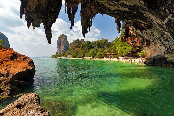 Plage de la grotte de Phra Nang, province de Krabi