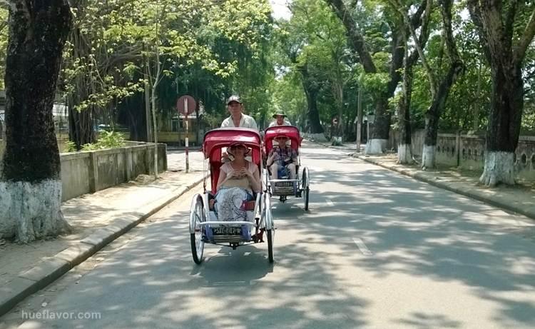 Cyclo Pousse, Meilleure Facon pour Visiter la ville de Hue