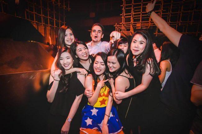 Rencontrer les filles indonésiennes, en voici le guide