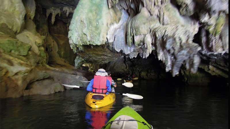 Faire du kayak à Krabi