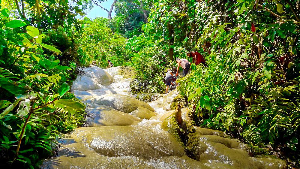 Cascades de Bua Thong