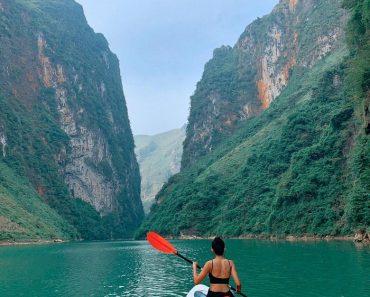Kayaking dans le gouffre de Tu San/ Rivière Nho Que